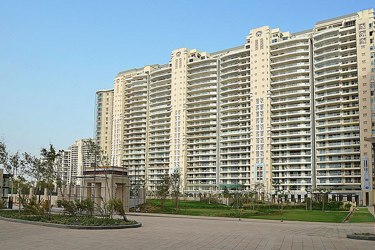 5 BHK Penthouse in DLF The Magnolias
