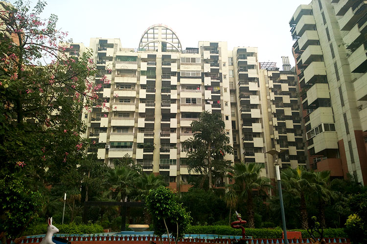 4 BHK Apartment in Sahara Grace