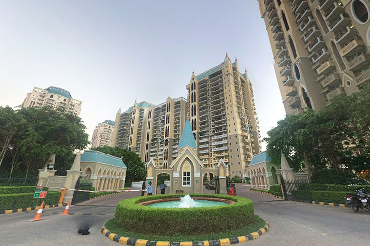 4 BHK Apartment in DLF Westend Heights