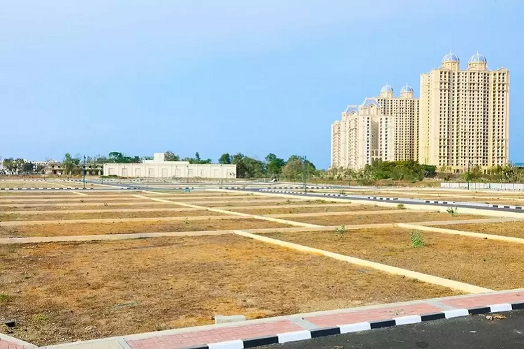 Plot/Bare space No 184 Platinum Tower in Udyog Vihar - I