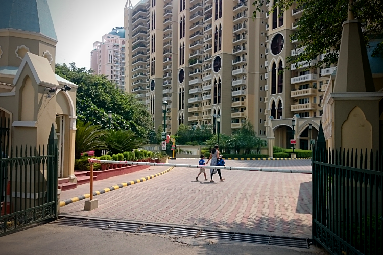 3 BHK Apartment in DLF Wellington Estate