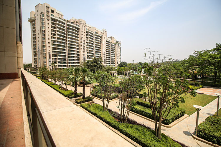 4 BHK Service Apartment in DLF Aralias