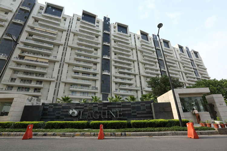 4 BHK Service Apartment in La-Lagune