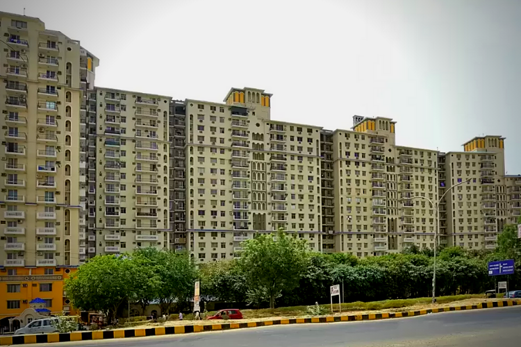 4 BHK Apartment in DLF Belvedere Tower