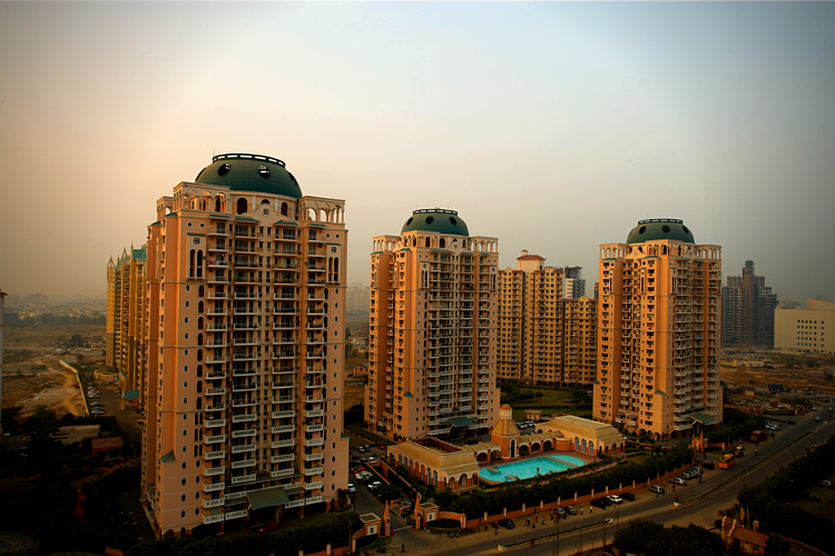 4 BHK Apartment in DLF Trinity Towers