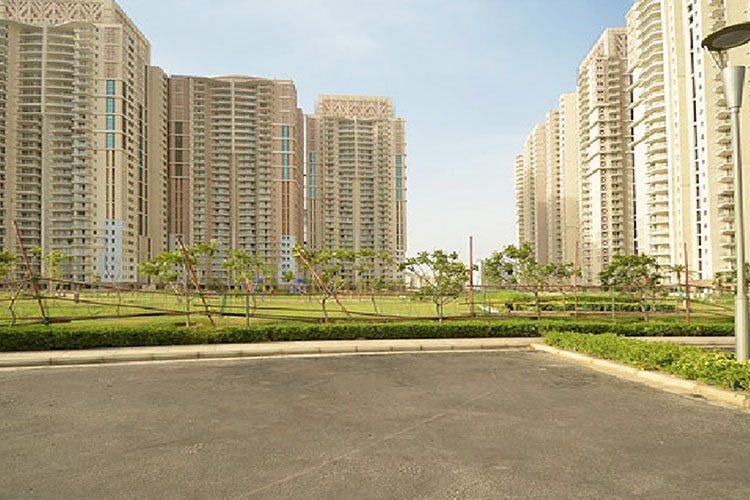 4 BHK Service Apartments in DLF Park Place